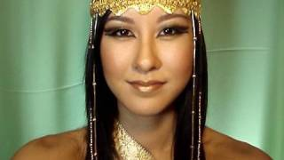 Egyptian Queen Makeup Tutorial + DIY Headdress!