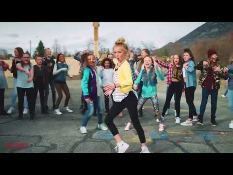 اطفال يتنافسون على الرقص الافضل في اغنية ديسباسيتو  ستندم اذا لم تشاهد الفيديو   Dance Despacito thumbnail