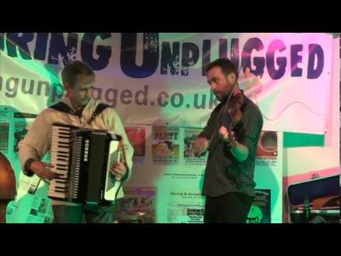 Tandara Mandara at Goring Unplugged