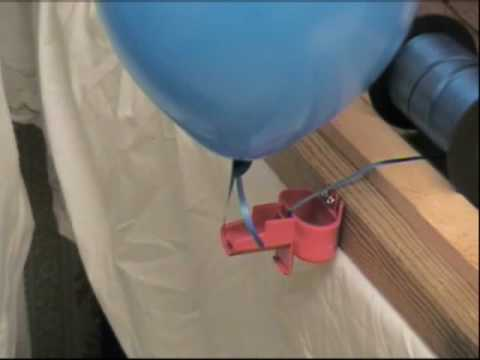 how to tie balloons to a ribbon to make a balloon arch with tie a balloon youtube. Black Bedroom Furniture Sets. Home Design Ideas