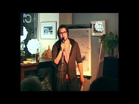 """Alex R. aus Augsburg mit """"Der schwarze Witwer"""" @ Poetry Slam Ellwangen 29.10.2010"""