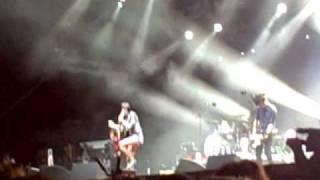 Yeah Yeah Yeahs - Zero -  Live July 19 2009 Ottawa Bluesfest