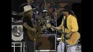 Video Billy Ray Cyrus with Willie Nelson - Stop Picking On Willie (Live at Farm Aid 1997) download MP3, 3GP, MP4, WEBM, AVI, FLV Juli 2018