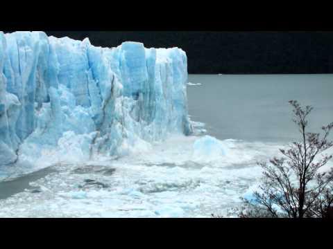 Los Glaciares National Park, Patagonia - Glacier Breaking