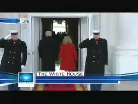 Bush welcomes Obama to White House