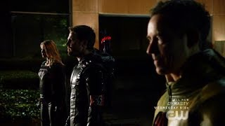Download Video Arrow | Crisis on Earth-X | Dark Arrow, Overgirl & Reverse Flash Reveal Themselves to Earth 1 Heroes MP3 3GP MP4