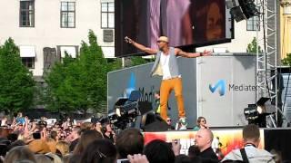 Mohombi - Bumpy ride (live)