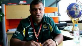 Video Air Asia's Tony Fernandes with Your Big Year Ambassadors download MP3, 3GP, MP4, WEBM, AVI, FLV Juni 2018