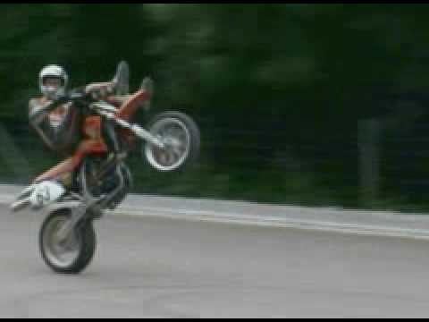 Stunt bike,empinando super motard, ktmx, manobras radicais from YouTube · Duration:  1 minutes 9 seconds