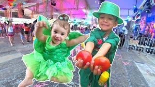 Baile de Carnaval - Lucas fantasiado de Pippo Detetives do Prédio Azul DPA e Manu de fada sininho