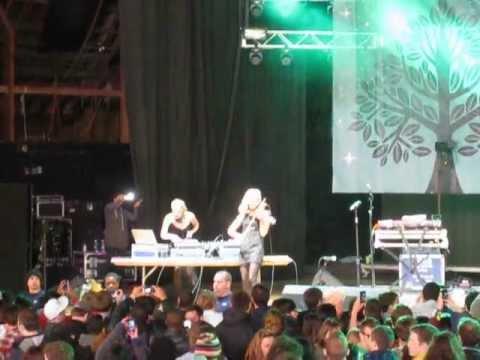 SWEETLIFE 2012 - Mia Moretti & Caitlin Moe, DJ & Electric Violin Duo