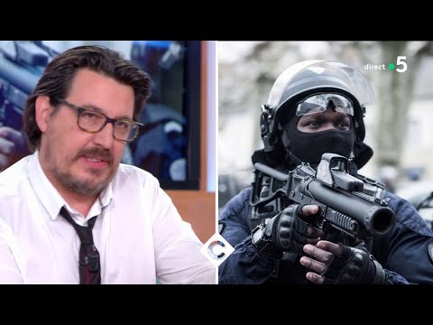 Il dénonce les violences policières - C à Vous - 16/01/2019
