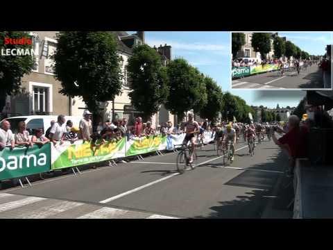 Course cyclisme dans le centre ville de Cosne-Cours-Sur-Loire