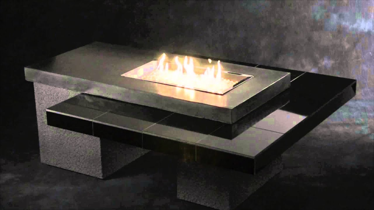 Outdoor Great Room Uptown Fire Pit Table with Tiled Table Top and PropaneNatural Gas Burner