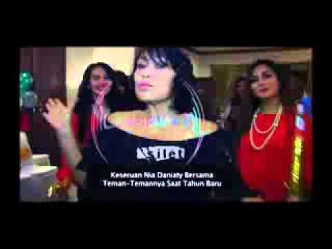 WAPITU COM Komentar Nia Daniaty Tentang Pernikahan Regina  Silet 03 Januari 2016