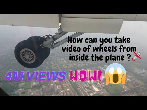 Spicejet Varanasi Delhi Q400 flight landing at Delhi airport