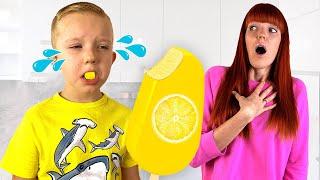 Pretend play selling Ice Cream | Martin and Monica