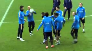 Spectacular Rondo in Barcelona training