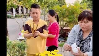 Minh Nhí đến thăm mộ của cố nghệ sĩ Anh Vũ trước thềm Tết 2020