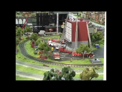 Lionel Trains & Operating O Gauge Building On Fire