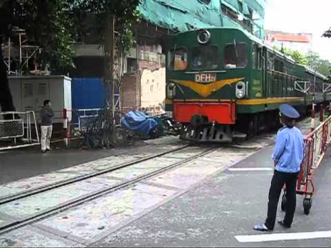 Railway Level Crossing Hanoi Style