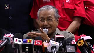 Tun M on Shafee: He's craving to be AG!