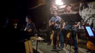 Chạy Mưa Cover - DL Acoustic Coffee
