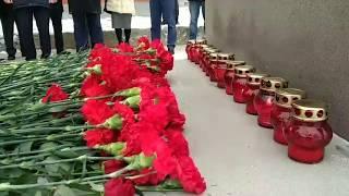 Удар колокола в 11.41. Саратов почтил память жертв землетрясения в Армении