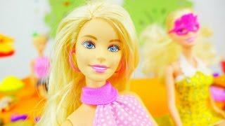 Как одеться на пляж кукле Барби? Видео для девочек