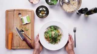 60 Second Prawn Detox Salad