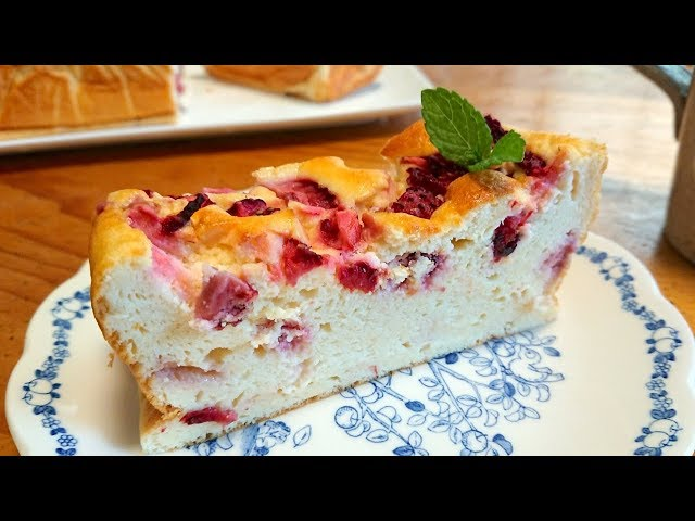 Fluffy Strawberry Yoghurt Cake with No butter or oil  / Recipe ふわふわ いちごヨーグルトケーキの作り方 レシピ