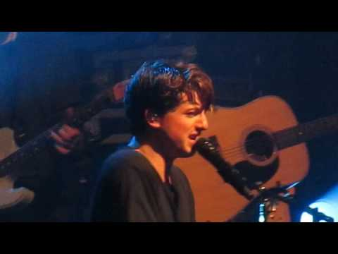 """Charlie Puth performs """"One Call Away"""" at Boston's House of Blues 12th Oct 2016"""