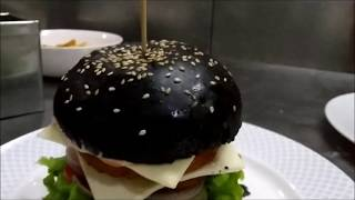 How to make activated charcoal black burger