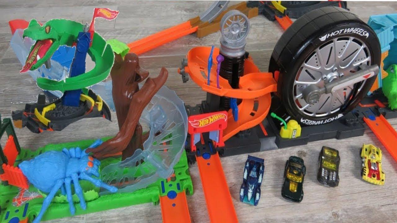 Hot Wheels City Cobra Crush Playset