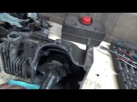 Tearing into the tecumseth 8hp motor and parts from john deere