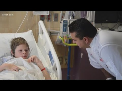 Cake Boss visits patients at San Antonio Children's Hospital