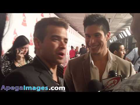 Chino y Nacho Interview At The  Person Of The Year 2012