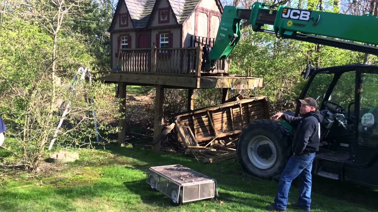 Shed Moving With Boom Forklift