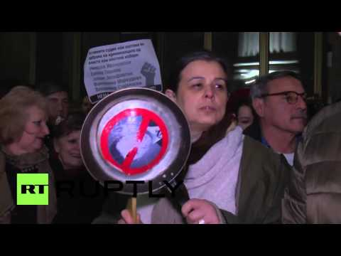 Macedonia: Protesters decry plans for presidential pardon in Skopje