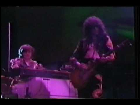 Led Zeppelin- Trampled Under Foot (Live- Earls Court)