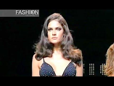 FISICO - Cristina Ferrari Spring Summer 2001 Milan - Fashion Channel