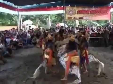 Traditional arts java - Jathilan SEKAR KENCONO UNITED...PART 1 (PUTRI)