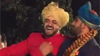 Ranveer Singh Dancing At A Friend's Wedding To Ainvayi Ainvayi Is SO Typically Him!