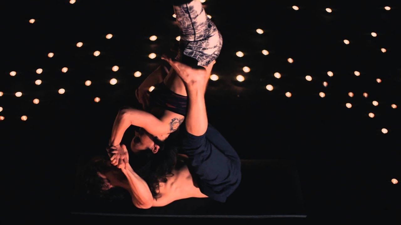 NOVIKA & Pete Grace 'Can't Resist'