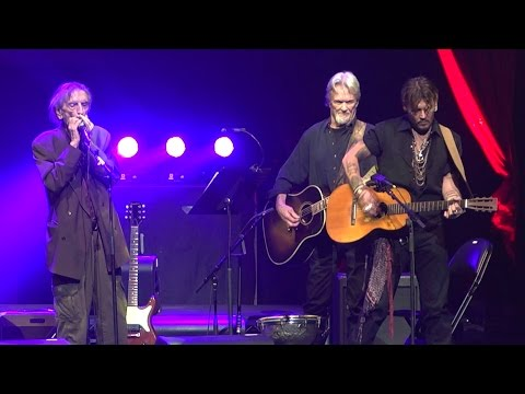 Harry Dean Stanton performs 'Everybody's Talkin' with Johnny Depp & Kris Kristofferson