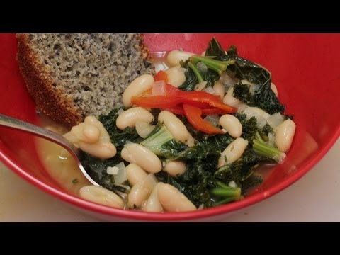 Greens & Beans Italian Style - Kale And Cannellini Beans In Chicken Broth