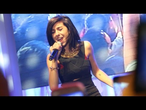 Christina Grimmie - Wrecking Ball - Live in Manila 2014 (Alabang Town Center)