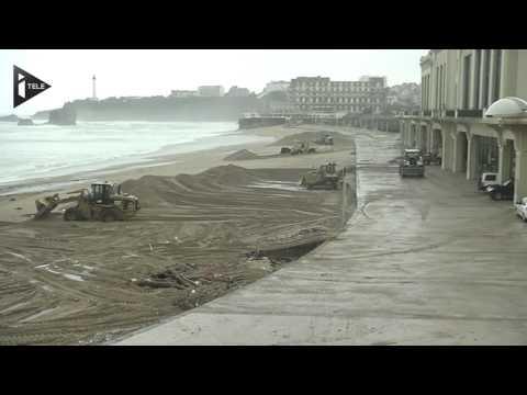 Vagues géantes sur la Grande plage de Biarritz - Le 04/03/2014 à 11h00