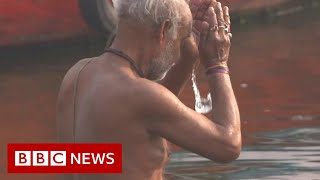 Download Covid causes new environmental dilemma for India's Ganges River - BBC News