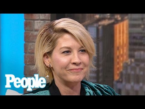 Jenna Elfman: Men Think Clearer If They Have Sex At Least Once A Week  People NOW  People